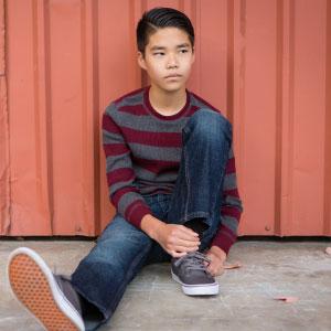 ragazziano asiatico depresso per la cittadinanza negata