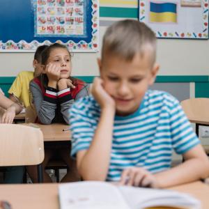 Cittadinanza per i minori - ragazzo a scuola